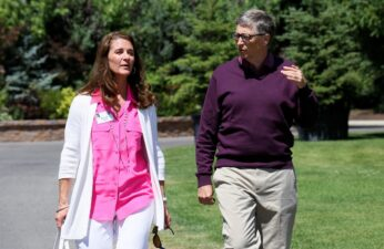 Microsoft technology advisor Bill Gates and his wife Melinda leave on the second day of the Allen and Co. media conference in Sun Valley, Idaho July 10, 2014. REUTERS/Rick Wilking/File Photo